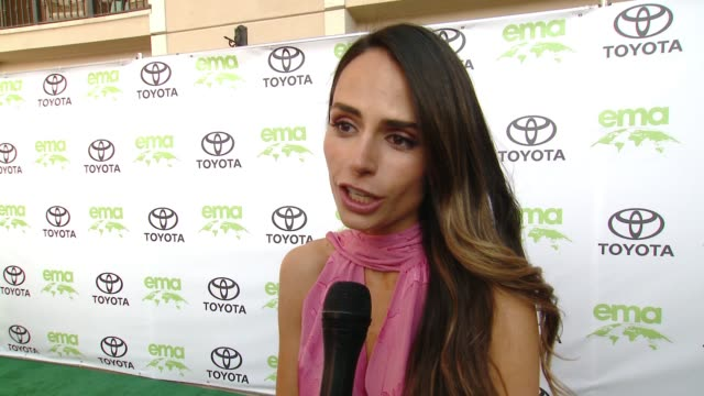 vidéos et rushes de jordana brewster on how did you get involved with ema, on what steps do you take to live a green life at the 28th annual environmental media awards... - environmental media awards