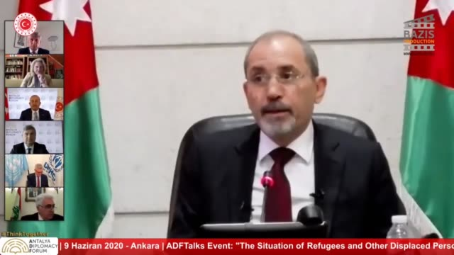 "jordanian foreign minister ayman safadi and iraqi foreign minister fuad hussein speak during an online panel titled ""situation of refugees and other... - 外交点の映像素材/bロール"