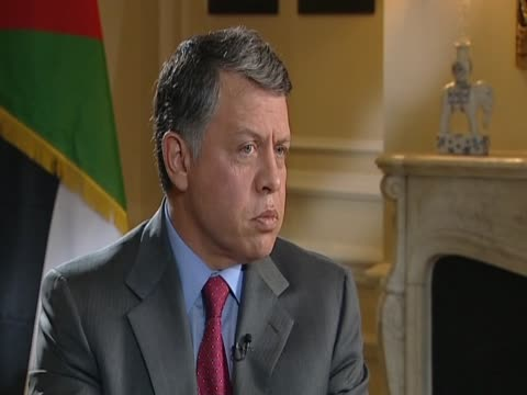stockvideo's en b-roll-footage met jordan's king abdullah explains why the situation in syria is more complicated than the situation in libya - koning koninklijk persoon