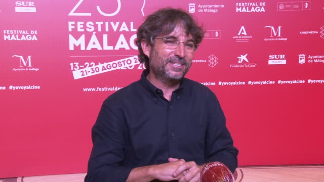jordi évole talks about messi's departure from f.c. barcelona - ドキュメンタリー映画点の映像素材/bロール
