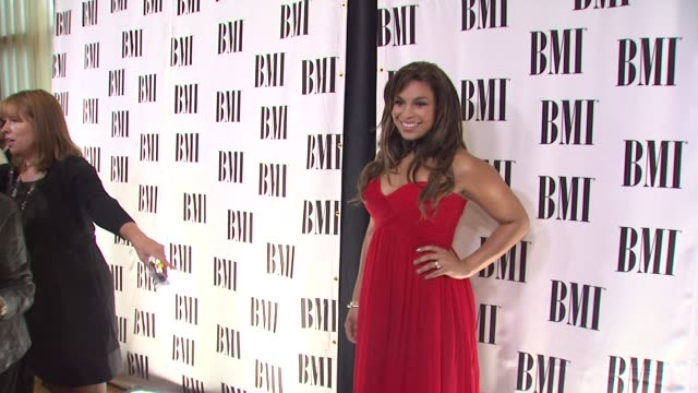 jordin sparks at the bmi's 57th annual pop awards at beverly hills ca. - sparks点の映像素材/bロール