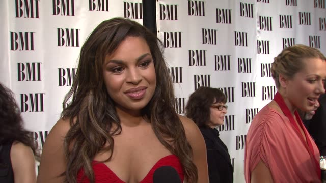 jordin sparks on the event, 'no air', honoring songwriters. at the bmi's 57th annual pop awards at beverly hills ca. - sparks点の映像素材/bロール