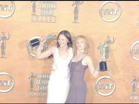 jorja fox and marg helgenberger winners for outstanding ensemble in a drama series for csi: crime scene investigation' at the 2005 screen actors... - shrine auditorium stock videos & royalty-free footage
