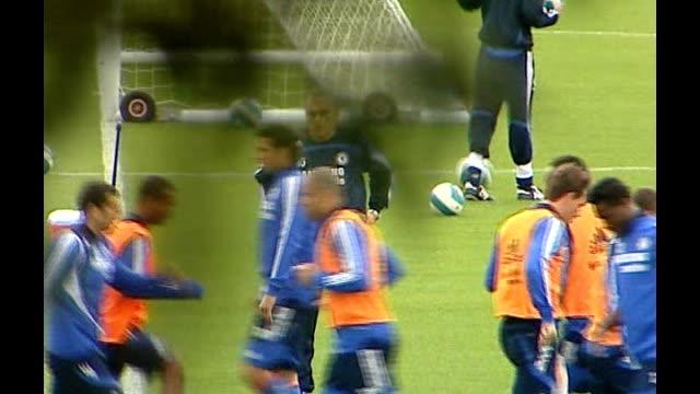 jose mourinho leaves chelsea fc by 'mutual consent' surrey cobham ext chelsea training with grant - コブハム点の映像素材/bロール