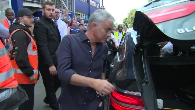 jose mourinho on september 02 2017 in london england - ジョゼ・モウリーニョ点の映像素材/bロール