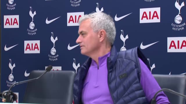 jose mourinho stages first press conference as tottenham hotspur head coach england london tottenham hotspur training ground int jose mourinho taking... - ジョゼ・モウリーニョ点の映像素材/bロール