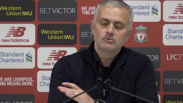jose mourinho's last press conference as manchester united manager following united's 31 premier league defeat at liverpool - ジョゼ・モウリーニョ点の映像素材/bロール