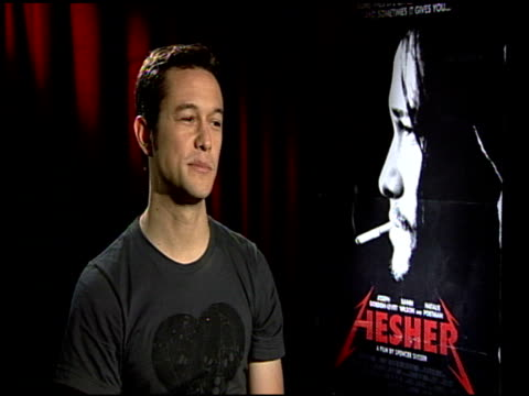 joseph gordon-levitt on being a metal/metallica fan prior to this project. at the 'hesher' junket at los angeles ca. - メタリカ点の映像素材/bロール