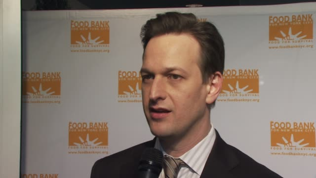 josh charles thinks emeril is great loves mario batali just finish season of the good wife at the food bank for new york city's 8th annual cando... - josh charles stock videos and b-roll footage