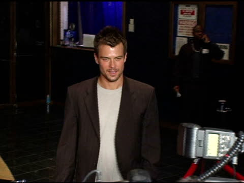 josh duhamel at the 3rd annual 'night with the friends of el faro' benefit hosted by molly sims on may 13, 2005. - molly sims stock videos & royalty-free footage