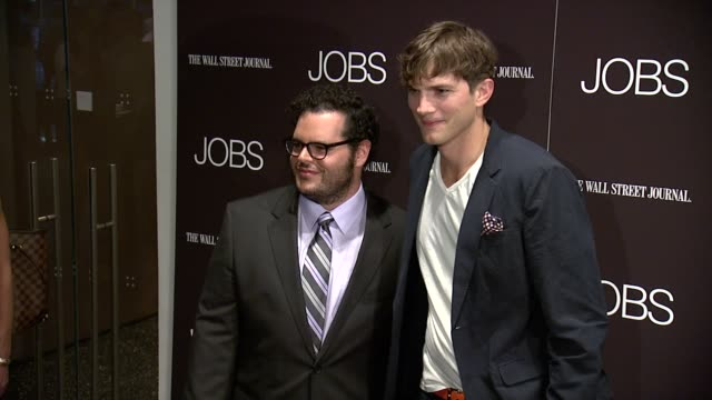 josh gad and ashton kutcher at jobs new york premiere arrivals at moma on august 07 2013 in new york new york - ashton kutcher stock videos and b-roll footage