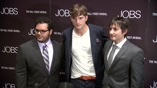 josh gad ashton kutcher and joshua michael stern at jobs new york premiere arrivals at moma on august 07 2013 in new york new york - ashton kutcher stock videos and b-roll footage