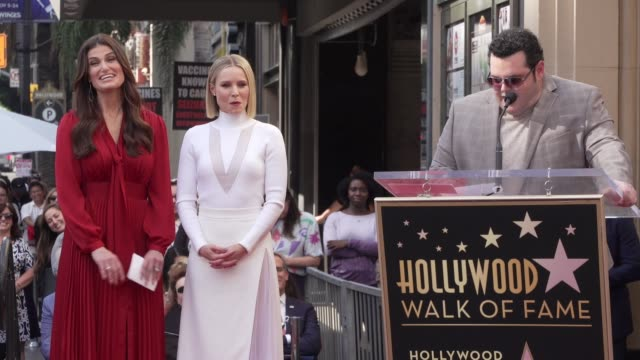 josh gad at kristen bell & idina menzel honored with special double star ceremony on the hollywood walk of fame on november 19, 2019 in hollywood,... - walk of fame stock videos & royalty-free footage