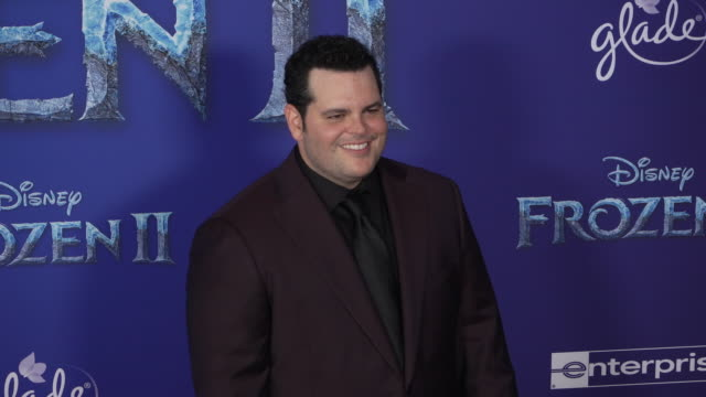 "josh gad at the ""frozen ii"" world premiere at dolby theatre on november 07, 2019 in hollywood, california. - 首映 個影片檔及 b 捲影像"