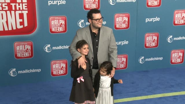 """josh gad at the """"ralph breaks the internet"""" world premiere at the el capitan theatre on november 05, 2018 in hollywood, california. - el capitan theatre stock videos & royalty-free footage"""
