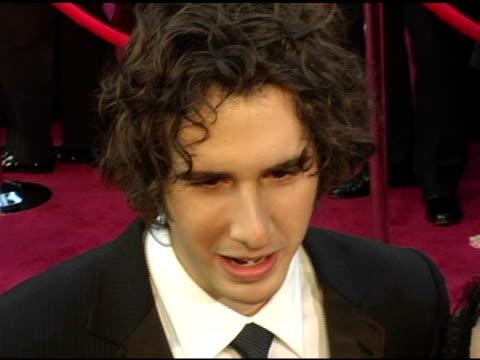josh groban at the 2005 annual academy awards arrivals at the kodak theatre in hollywood california on february 28 2005 - 第77回アカデミー賞点の映像素材/bロール