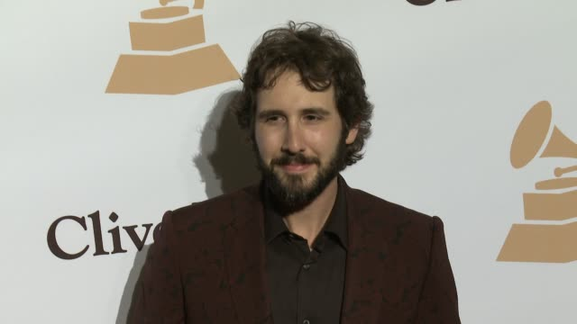 stockvideo's en b-roll-footage met josh groban at the 2016 pregrammy gala and salute to industry icons honoring irving azoff at the beverly hilton hotel on february 14 2016 in beverly... - irving azoff