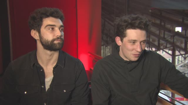 vídeos de stock, filmes e b-roll de interview josh o'connor alec secareanu on how they got involved with the project at berlin film festival 'gods own country' interviews at berlinale... - alec secareanu