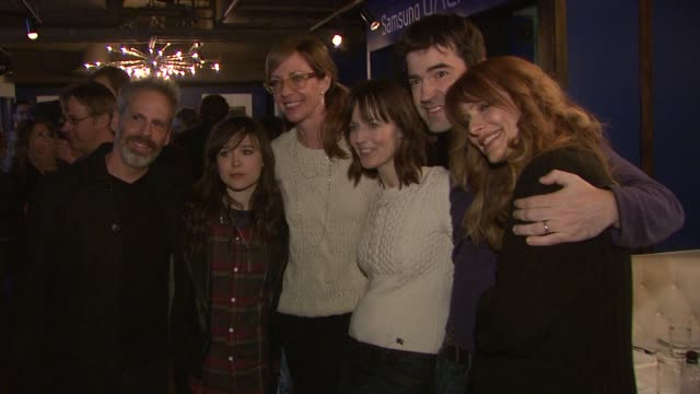 josh pais ellen page allison janney rosemarie dewitt ron livingston lynn shelton at celebrities visit the samsung galaxy lounge day 1 on 1/18/13 in... - 1日目点の映像素材/bロール