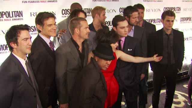 Josh Schwartz Mehmet Oz Chris O'Donnell NeYo Terrell Owens Stephen Moyer Kellan Lutz Ed Westwick Gerard Butler Paul Wesley and Nathan Fillion at the...