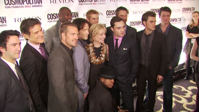 Josh Schwartz Mehmet Oz Chris O'Donnell Terrell Owens Stephen Moyer Kellan Lutz Ed Westwick Gerard Butler Paul Wesley and Nathan Fillion at the...