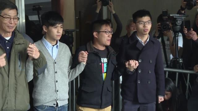 Joshua Wong el activista que puso cara al inmenso movimiento prodemocracia de otono de 2014 en Hong Kong fue condenado a tres meses de carcel el...