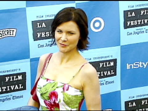 josie davis at the 'little miss sunshine' premiere at wadsworth theatre in los angeles california on july 2 2006 - wadsworth theatre stock videos & royalty-free footage