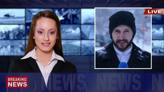 vídeos de stock, filmes e b-roll de jornalista relatórios ao vivo na televisão, as notícias - notícias de evento