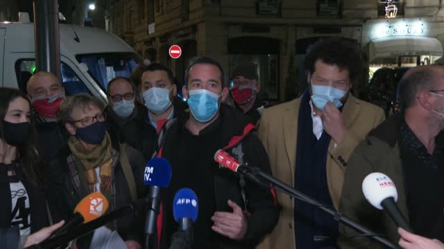 FRA: Journalists' unions leave meeting with French interior minister amid concerns over new security law