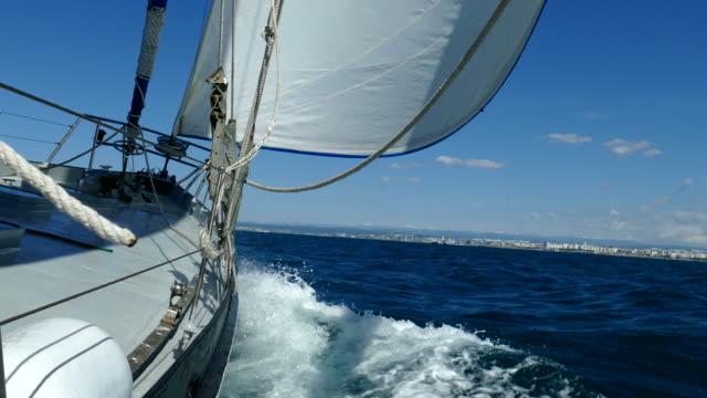 reise auf alle segel - schiffsmast stock-videos und b-roll-filmmaterial