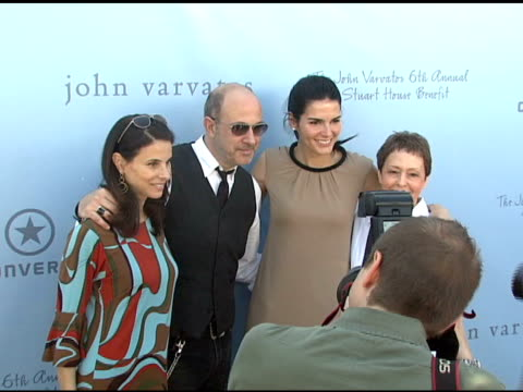 joyce varvatos john varvatos angie harmon and gail abartbanel at the john varvatos 6th annual stuart house benefit on march 9 2008 - angie harmon stock videos & royalty-free footage