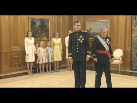 Juan Carlos de Borbon delivery fajin Captain General of the King Felipe VI