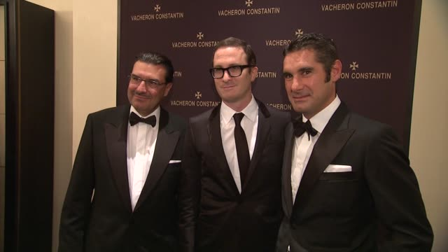 juan carlos torres darren aronofsky and hugues de pins at the vacheron constantin celebrates grand opening of first ever us boutique at new york ny - darren aronofsky stock videos and b-roll footage