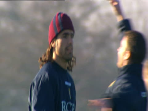 juan pablo angel throws and catches football during aston villa training birmingham 27 nov 03 - kopfbedeckung stock-videos und b-roll-filmmaterial