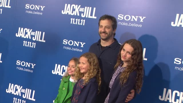 judd apatow at the 'jack and jill' world premiere at westwood ca - ウェストウッド地区点の映像素材/bロール