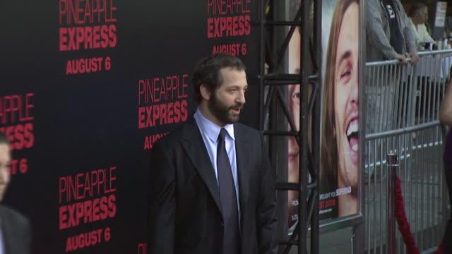 vídeos de stock, filmes e b-roll de judd apatow at the 'pineapple express' premiere at los angeles ca - judd apatow