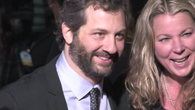 vídeos de stock, filmes e b-roll de judd apatow at the wanderlust premiere in westwood 02/16/12 - judd apatow