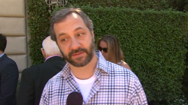 vídeos de stock, filmes e b-roll de interview judd apatow on being recognized by the rape foundation on why he is a part of the foundation on why this a topic we need to shed a light on... - judd apatow