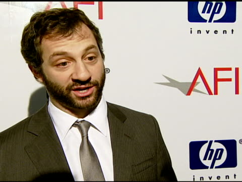 vídeos de stock, filmes e b-roll de judd apatow on how he feels about afi honoring team efforts and his favorite film at the 2007 afi awards honors creative teams at four seasons hotel... - judd apatow