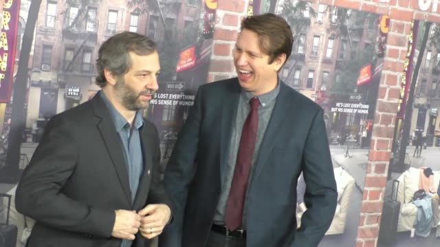 vídeos de stock, filmes e b-roll de judd apatow pete holmes at hbo's crashing premiere on february 15 2017 in los angeles california - judd apatow