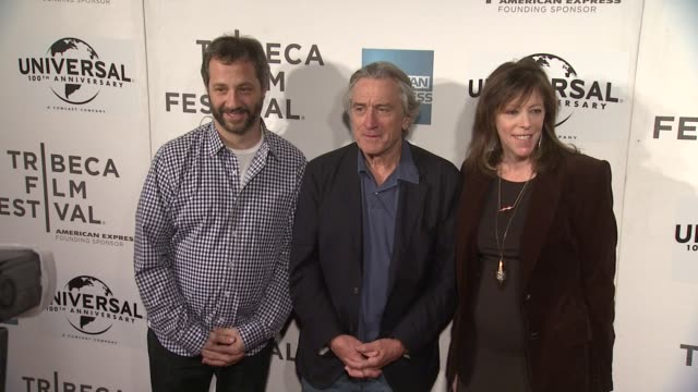 vídeos de stock e filmes b-roll de judd apatow robert de niro and jane rosenthale at 2012 tribeca film festival tribeca talks director's series100 years of universal on in new york - festival de cinema tribeca