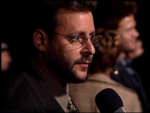 judd nelson at the 'tigerland' premiere at 20th century fox lot in century city, california on october 3, 2000. - tigerland点の映像素材/bロール