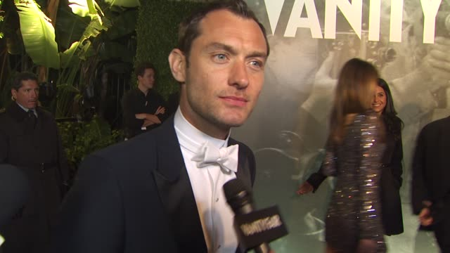 jude law on the vanity fair oscar party at the 2011 vanity fair oscar party arrivals at hollywood ca - vanity fair oscar party stock videos & royalty-free footage