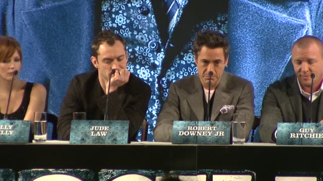 jude law & robert downey jr on their working relationship and chemistry. at the sherlock holmes press conference at london england. - chemistry点の映像素材/bロール