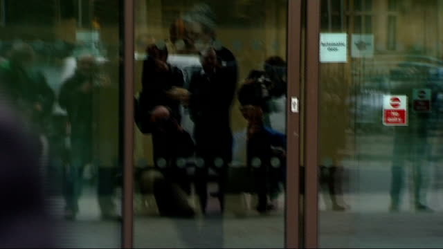 judge constance briscoe appears in court over chris huhne trial england london westminster ext entrance to westminster magistrates court / judge... - クリス ヒューン点の映像素材/bロール