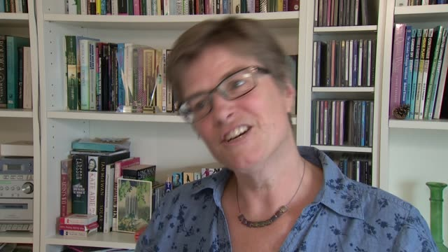 judge ruling no longer needed to cut off life support if family and doctors agree england int professor jenny kitzinger interview sot westminster ext... - カット切り替え点の映像素材/bロール