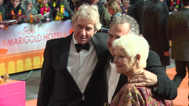 vidéos et rushes de judi dench at 'the second best exotic marigold hotel' premiere at odeon leicester square on february 17 2015 in london england - judi dench