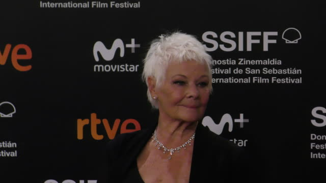 judi dench during the 66th san sebastian international film festival at kursaal palace on september 25, 2018 in san sebastian, spain. - ジュディ・デンチ点の映像素材/bロール