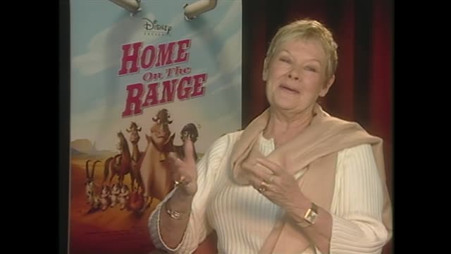 judi dench on the potential to use holograms to perform - ジュディ・デンチ点の映像素材/bロール