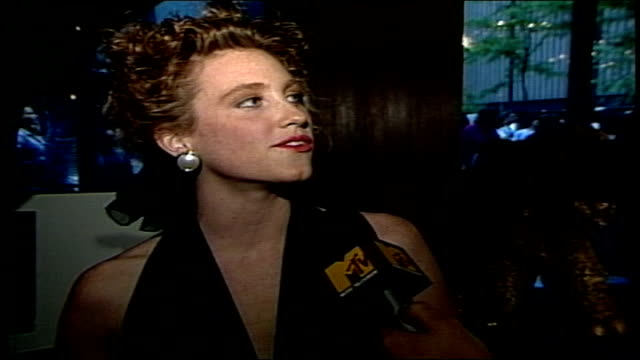 judith hoag talks about the then unreleased tmnt 2 movie in nyc - ミュータント・タートルズ点の映像素材/bロール